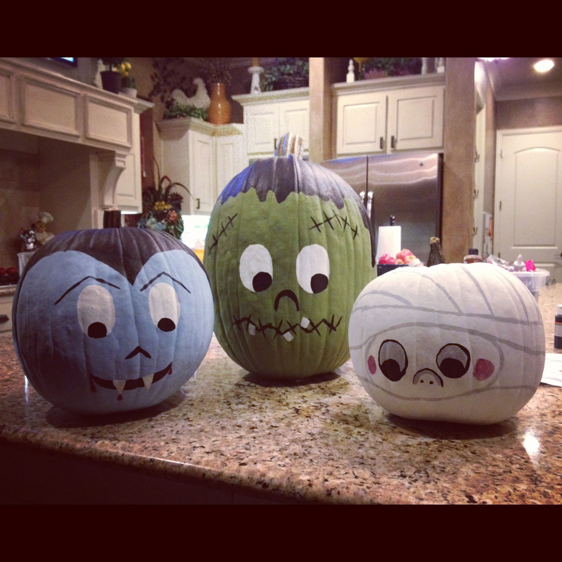 10 cute spooky and fun diy painted pumpkin ideas Funny pumpkin painting ideas