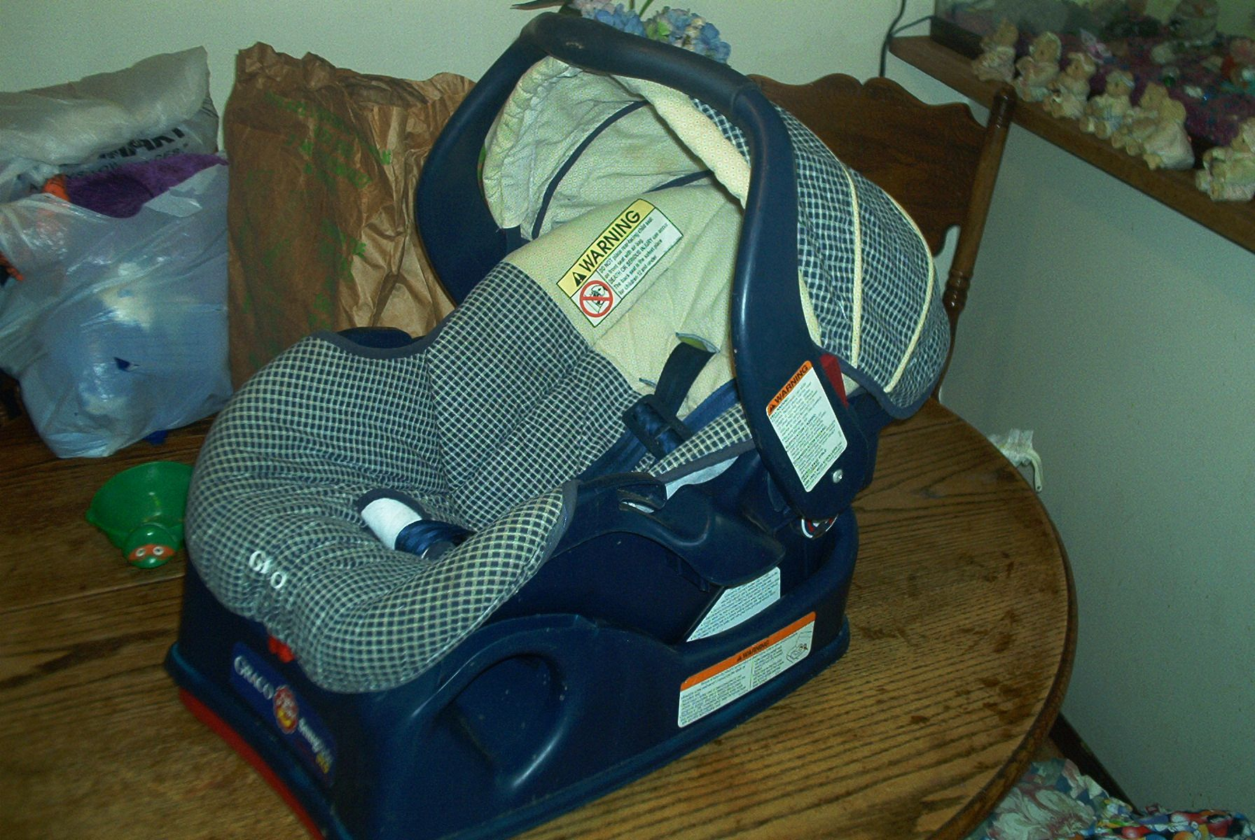 Graco Car Seat In Grandmas Garage Sale St Louis MO For 1500 Infant With Base