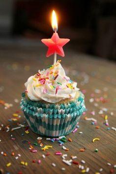 كل عام وانت بخير صور كل عام وانت بخير بطاقات عيد ميلاد Zina Blog Happy Birthday Cupcakes Happy Birthday Wishes Cake Birthday Wishes Cake