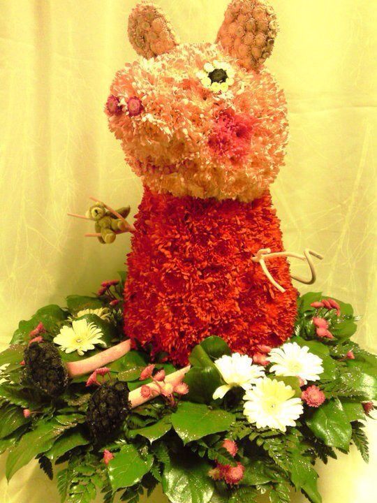 3d Peppa Pig Made By Tayler James Flowers Sympathy Flowers Funeral Tributes Flowers