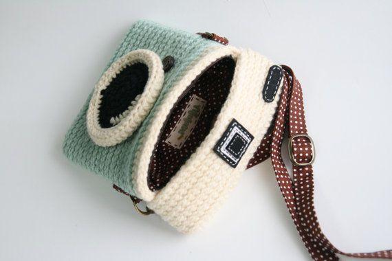 Crochet Lomo Camera Purse/ Pastel Mint Color | Mint farbe, Tasche ...