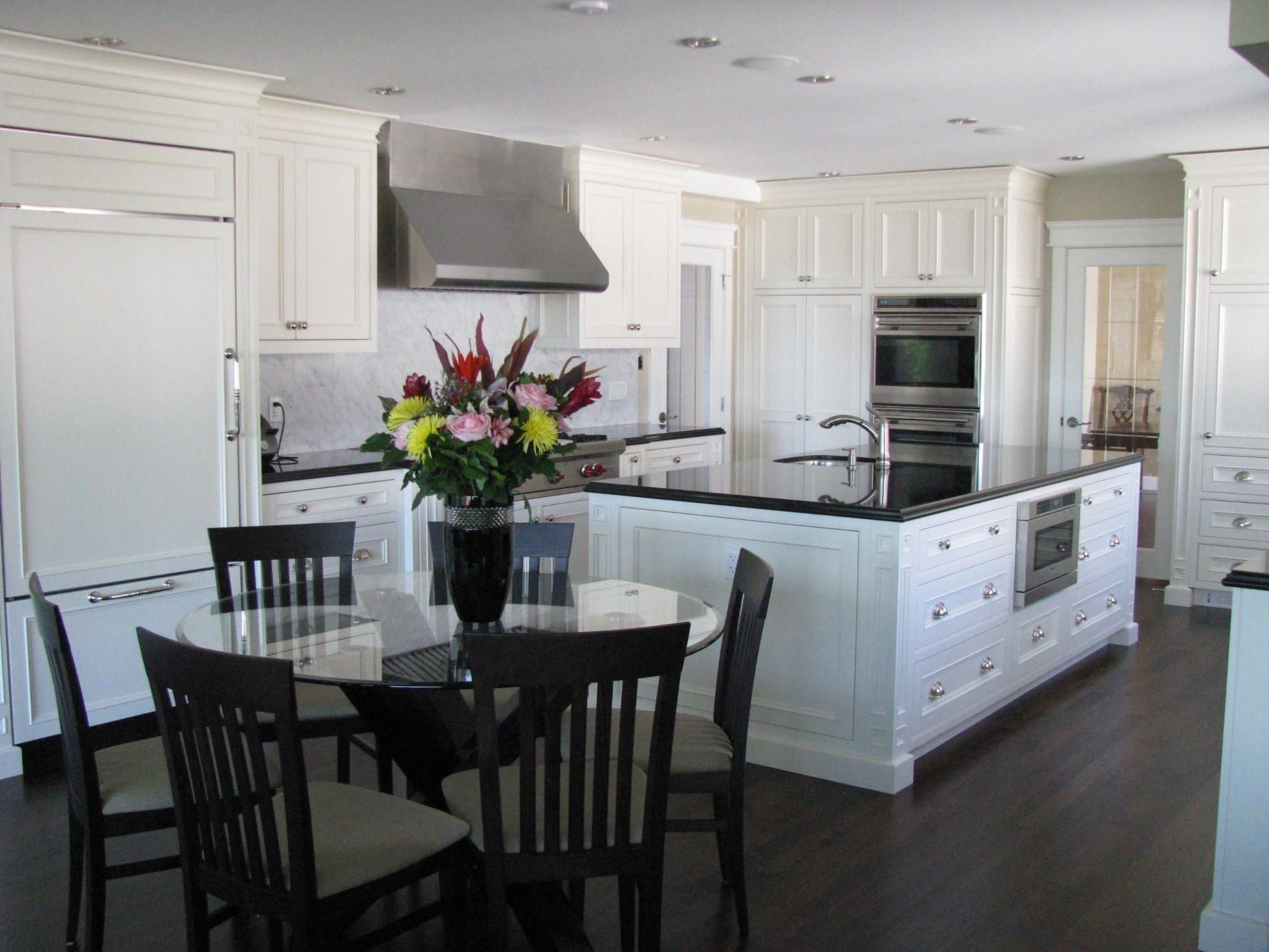 White Kitchen Countertops  Projects To Try  Pinterest Delectable Black And White Kitchens Designs Decorating Design
