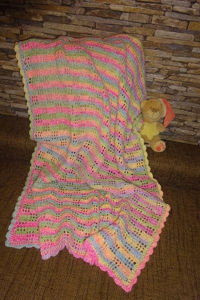 Babydecken - Babydecke rainbow Farbverlauf gehäkelt Wolle bunt - ein Designerstück von Hemalari bei DaWanda