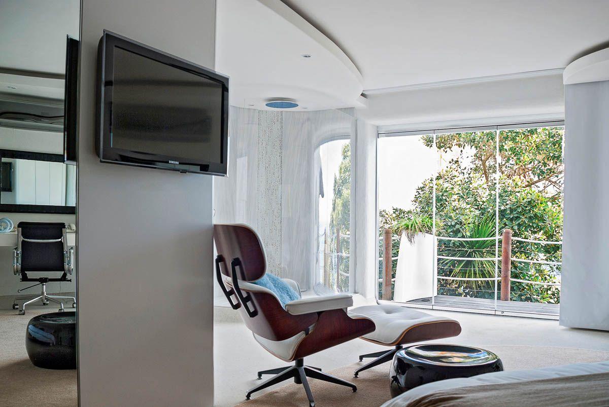 Television Mounted In Unobtrusive Location Of This Room  # Deco Table Tele Plus Homecimema