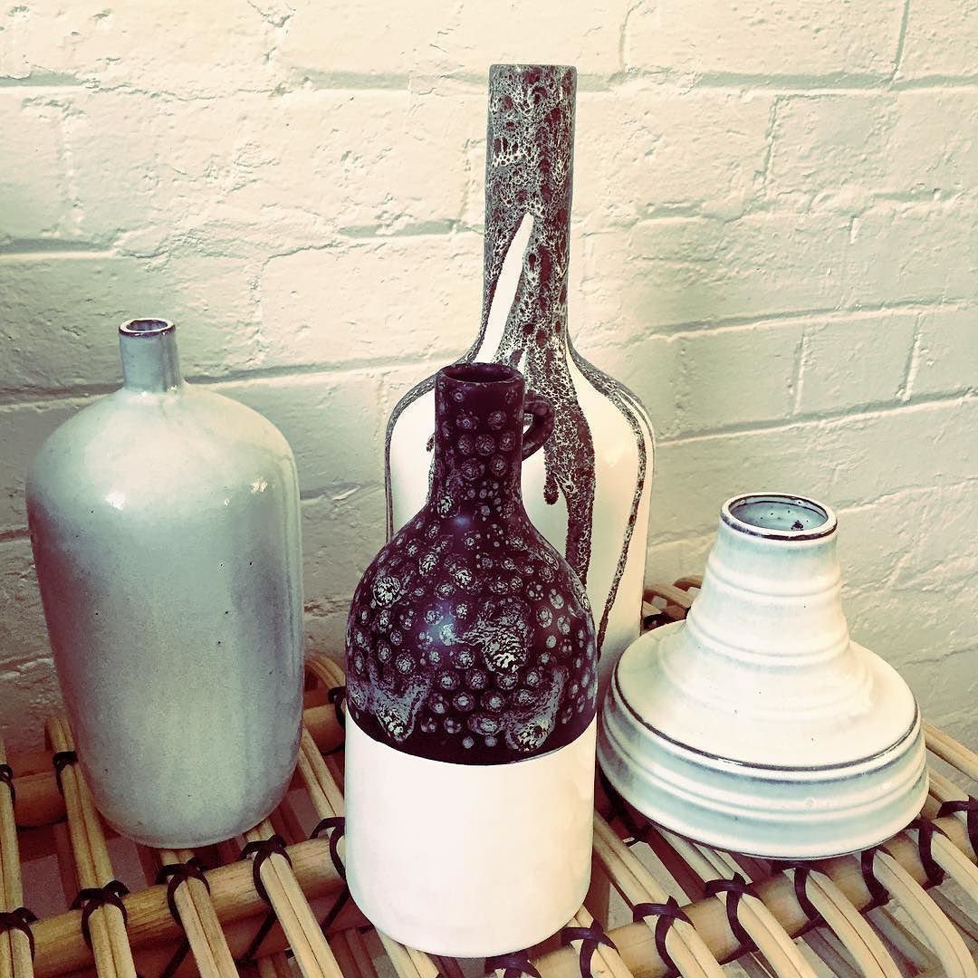 MONOCHROME LOVE | we just can't go past a cluster of different sized vessels by @hkliving Feeling that 70s vibe!!