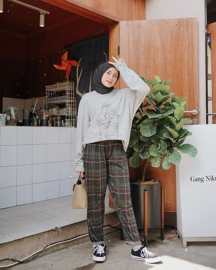 Inspirasi Ootd Hijab Untuk Ke Kampus N D In 2020 Hijabi Outfits Casual Casual Hijab Outfit Hijab Casual