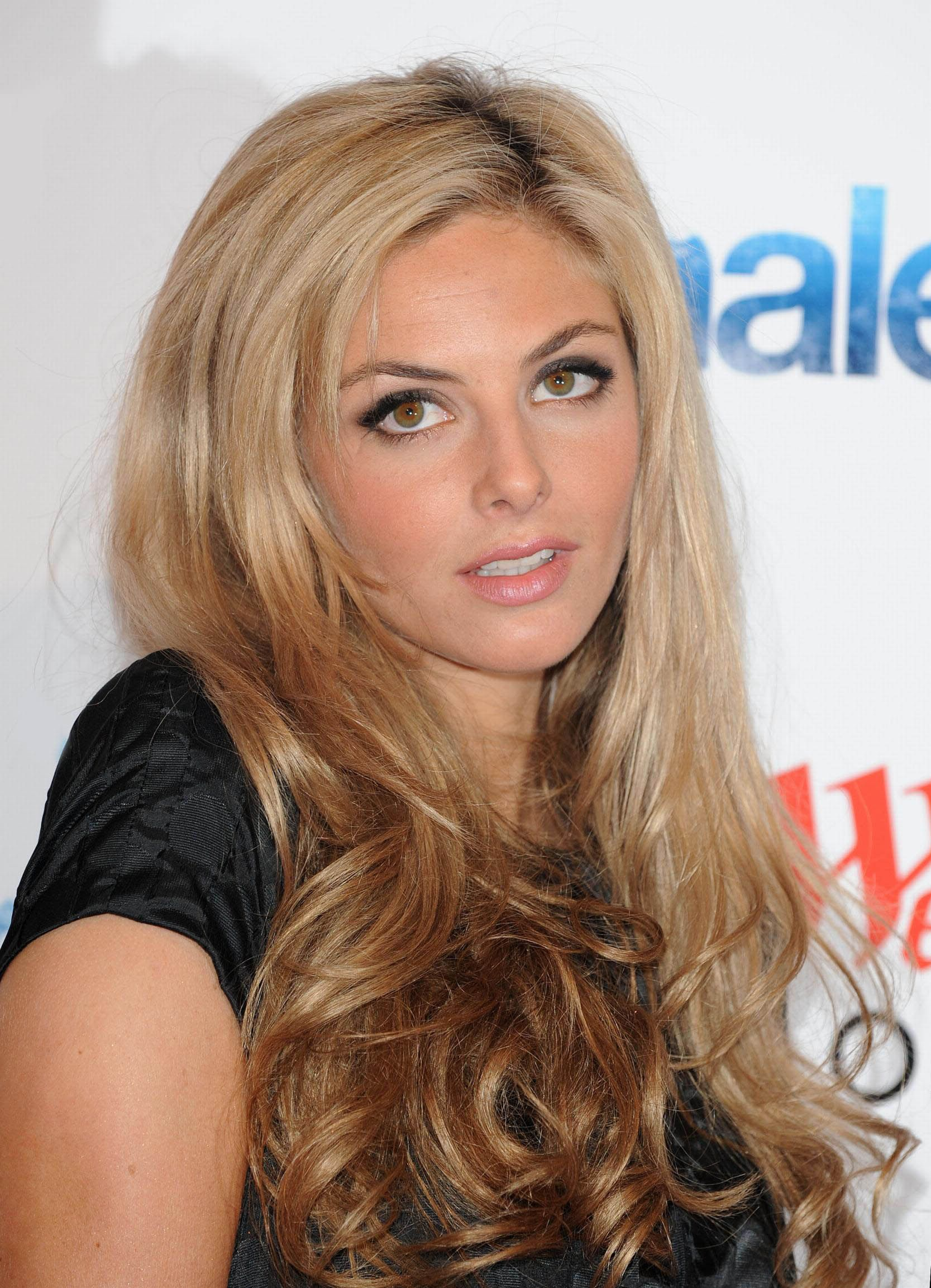 photo Tamsin Egerton (born 1988)