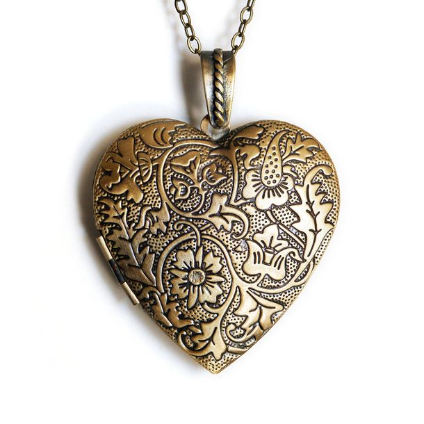 I remember finding a necklace like this when I was little. I'm sure it's in a box somewhere...