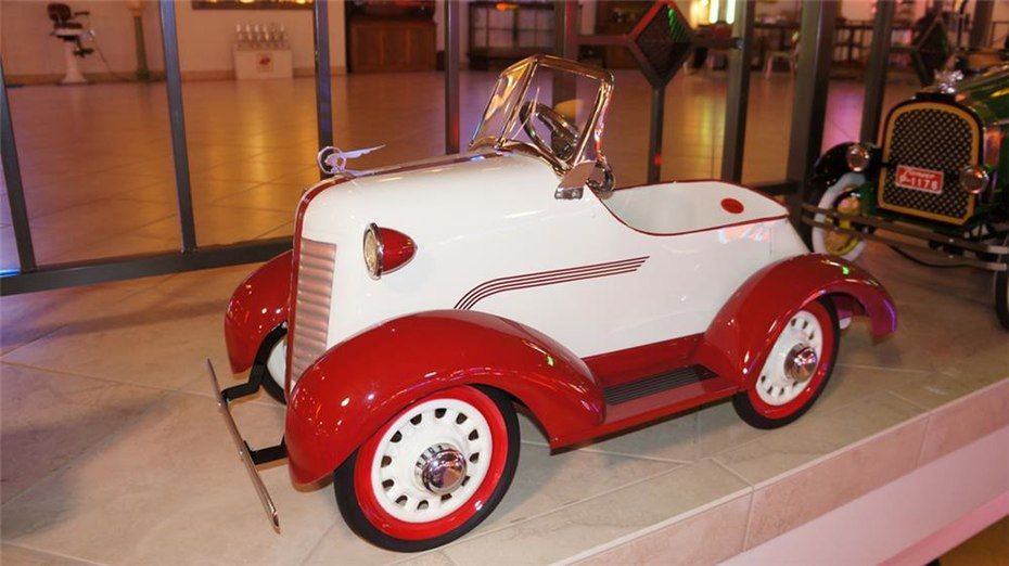 70 Vintage Pedal Cars Lead To Record Sale Of Automobilia