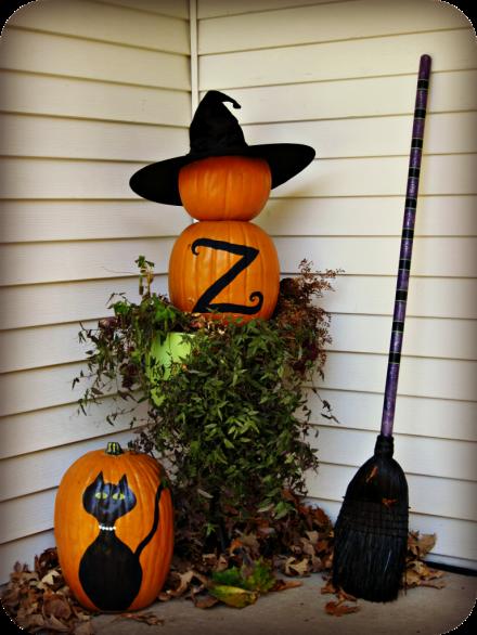 DIY monogrammed pumpkin topiary from laughingabi.com