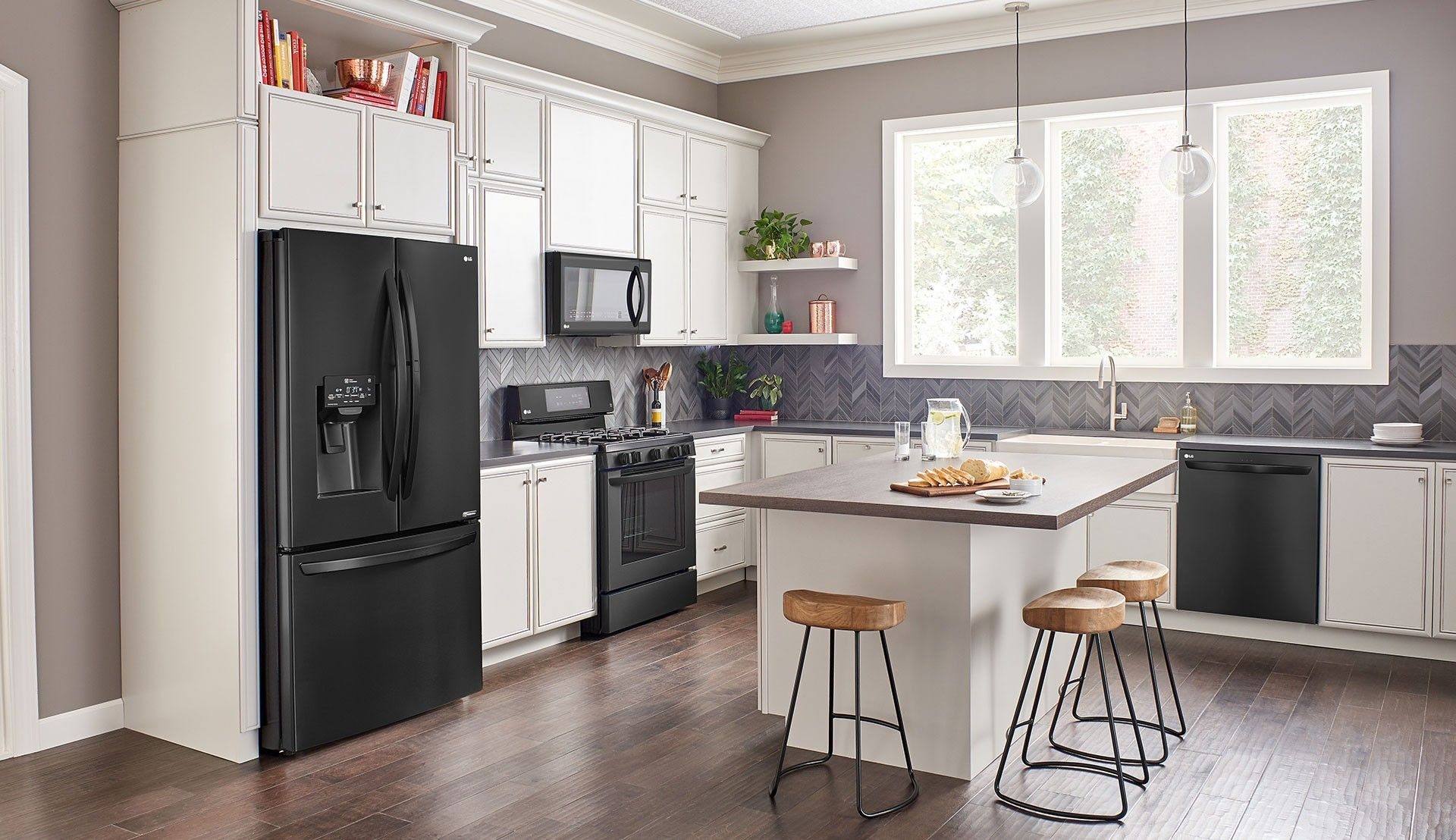 Image Result For Matte Black Appliances With White Shaker Cabinets Black Appliances Kitchen White Cabinets Black Appliances Kitchen Cabinet Colors