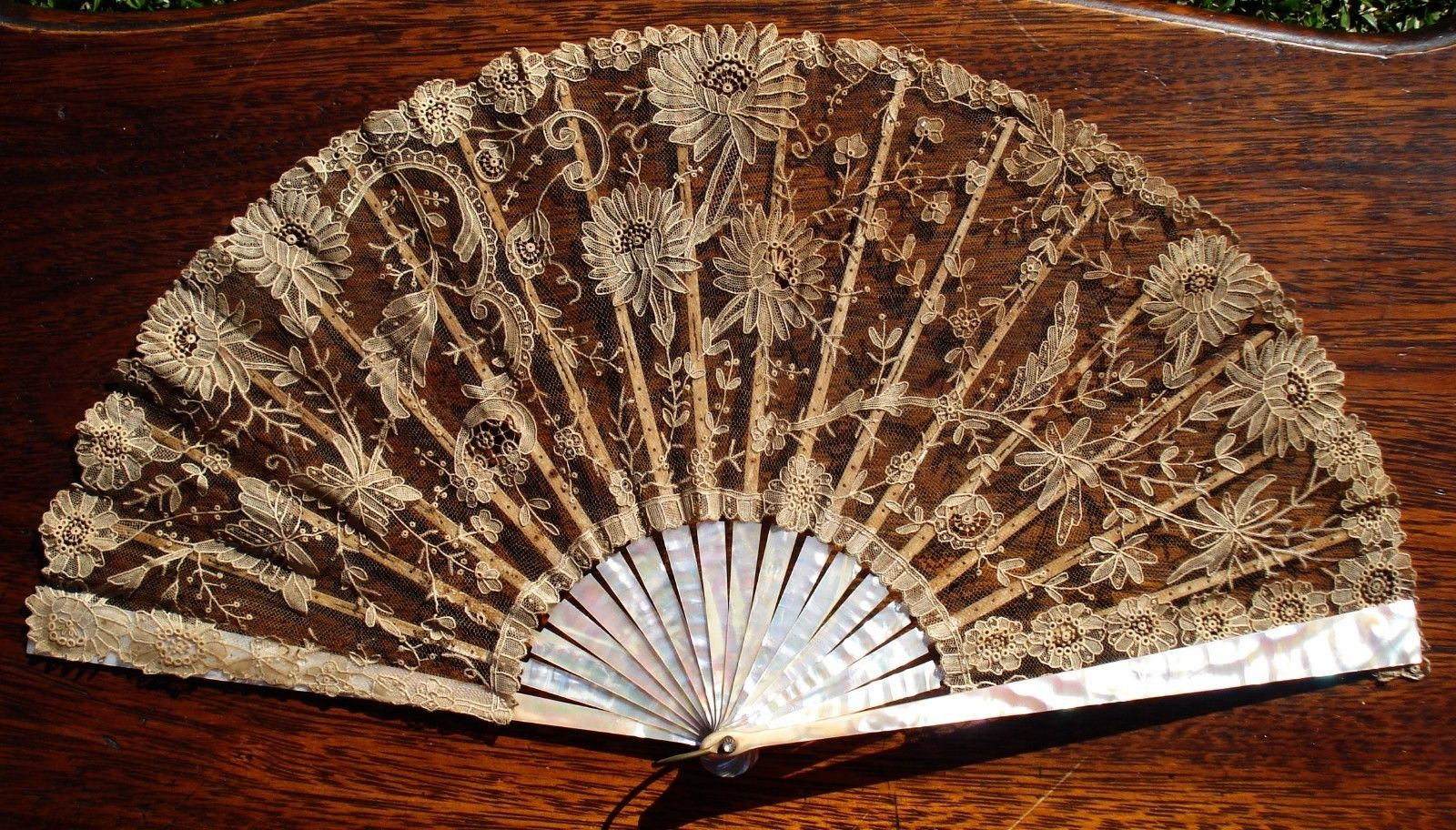Antique Mother of Pearl and Lace Hand Fan | eBay
