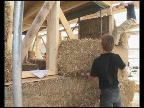 Reportage complet sur la construction de Maison De Paille
