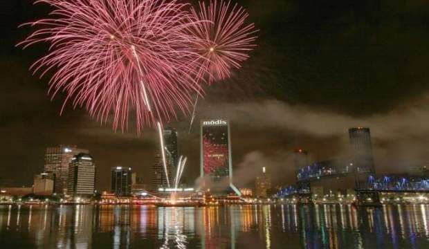 Enjoy 2016 New Years Eve Party In Jacksonville Florida New Years Eve New Years Eve Party Fireworks Photography