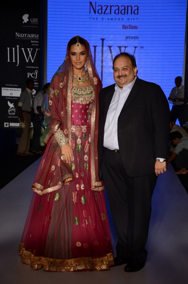 Mehul Choksi Cmd Gitanjali Group Alongwith Neha Dhupia At The Indian International Jewellery Week 2017 Style Bollywood Fashion Beauty Iijw