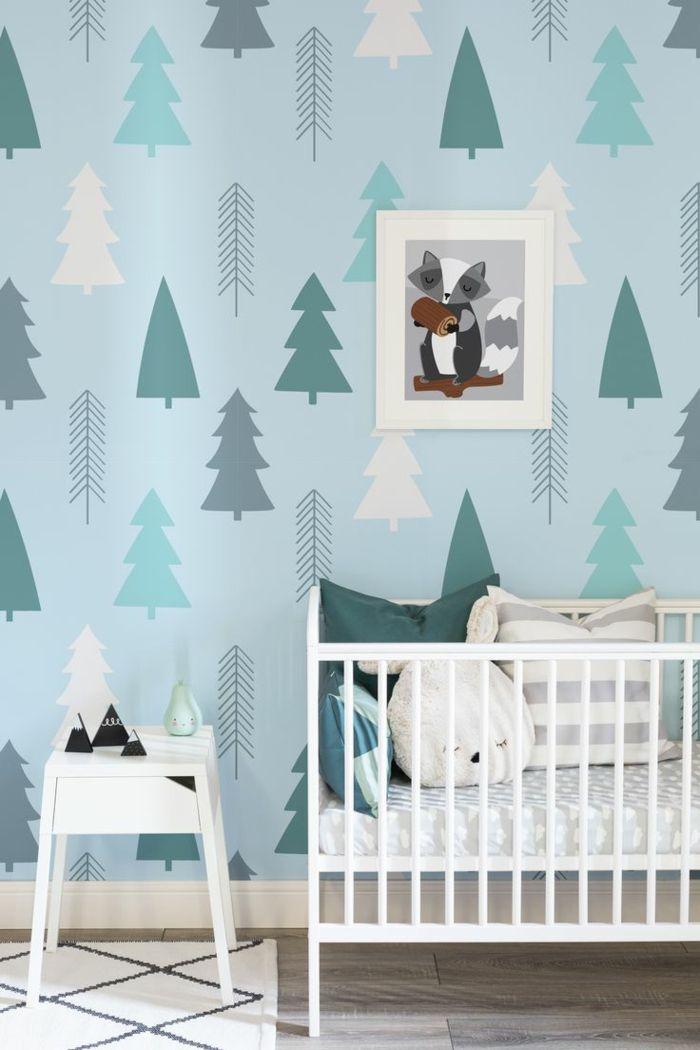 paredes pintadas, cama de bebé con cojines con caras, papel pintado