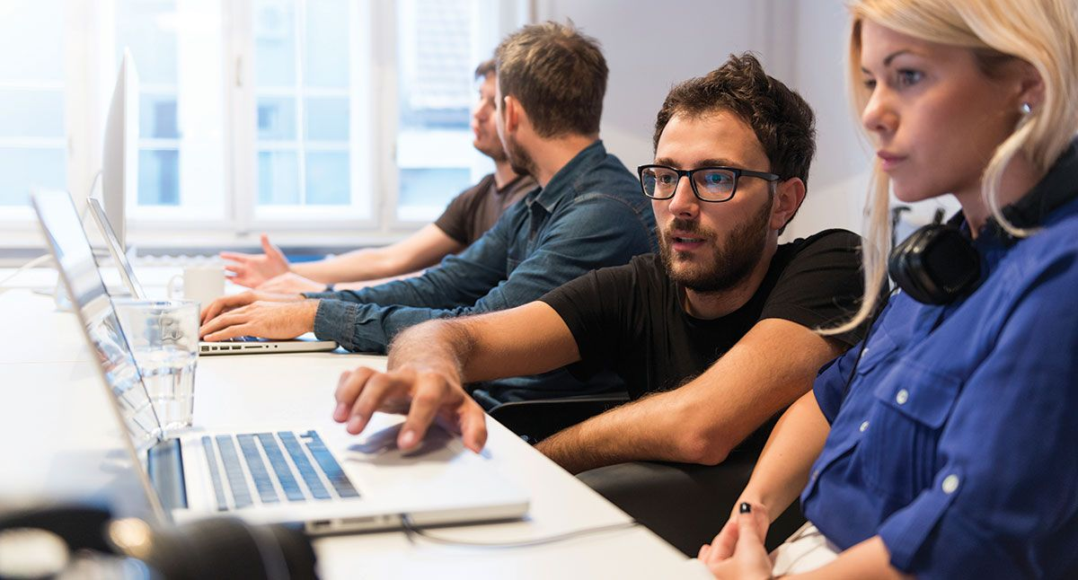 Analyst Programmer (JAVA/.NET/Mobile App/Web) https://kiwi-search.com/job/ analyst-programmer/ | Training center, What is positive, Job interview