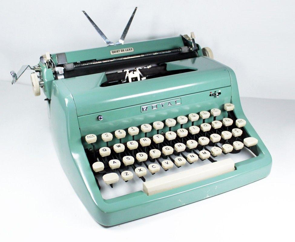 Vintage Royal Quiet Deluxe Manual Typewriter Sea Green Etsy Typewriter Vintage Typewriters Tom Hanks
