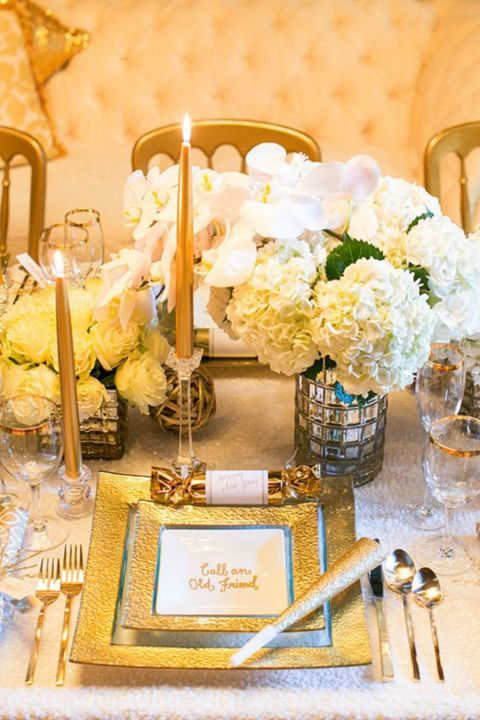 16 Ways to Set a Festive New Year\'s Eve Table | Table settings