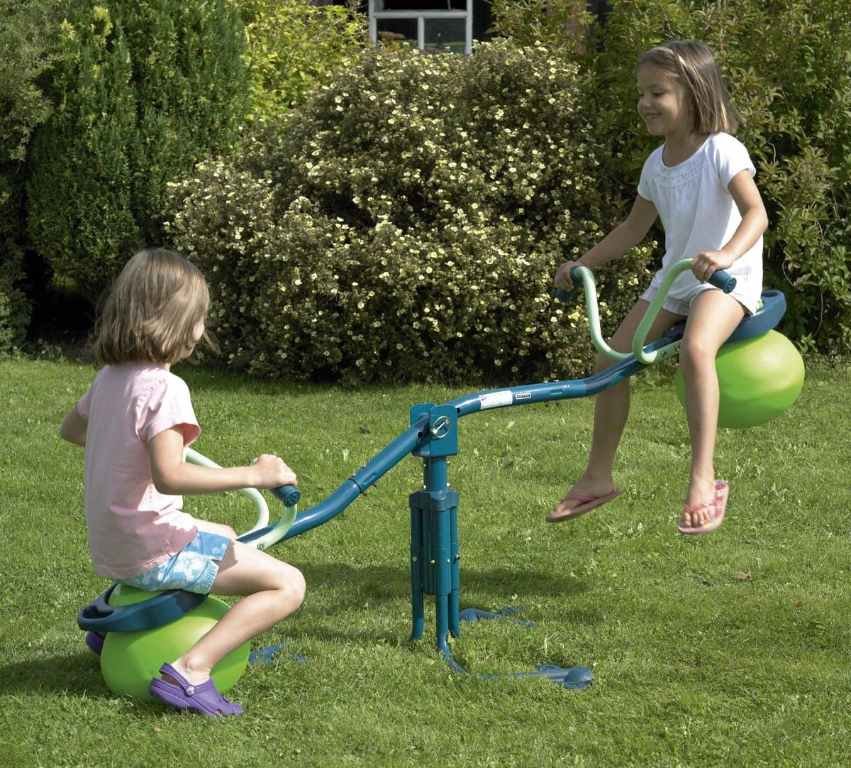 The tp spiro hop seesaw bounces up and down and spins all the way