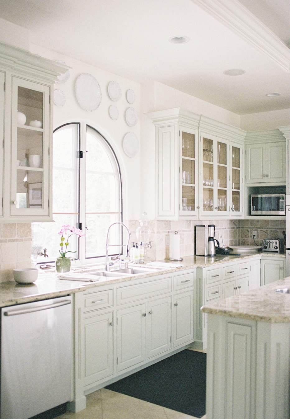 pale green country kitchen interiors by jen huang photo with images country kitchen on kitchen interior green id=98365