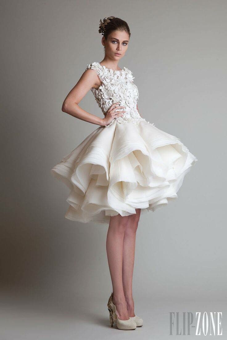 Short wedding reception dress  Pin by Diana Gasca Rodriguez on Boda  Pinterest