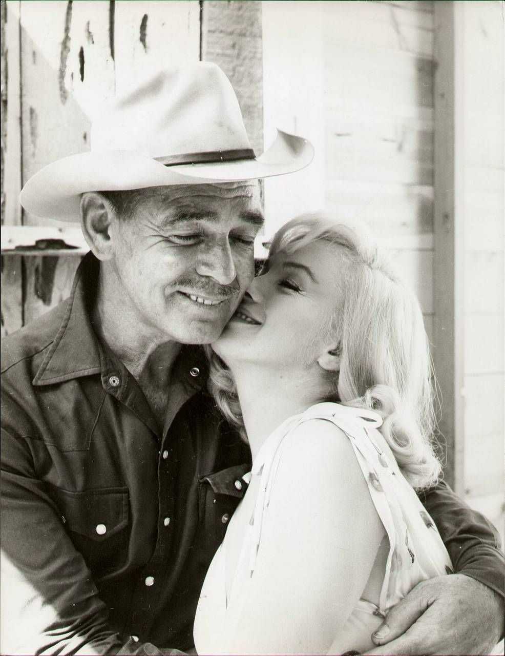 """On the set of """"The Misfits"""", Marilyn & Clark Gable, 1961"""