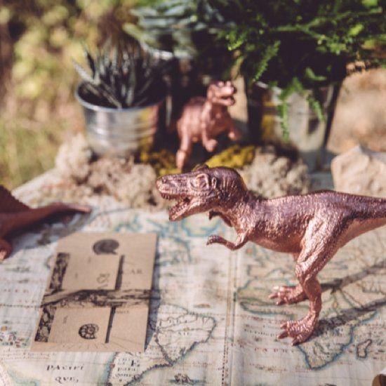 Must See Dinosaur Themed Wedding Inspiration Shoot From Monsieur Madame Dinosaur Wedding Dinosaur Wedding Theme Jurassic Wedding