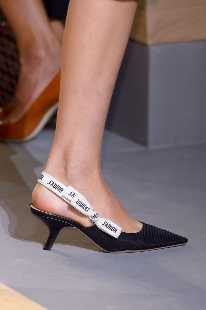 e33e882e955 Tendances chaussures femme printemps-été 2017  sandales