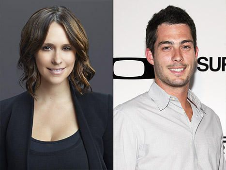 Jennifer Love Hewitt Pregnant Expecting Second Child With Husband Brian Hallisay And They Are Thrilled Jennifer Love Hewitt Jennifer Love Jennifer Love Hewit