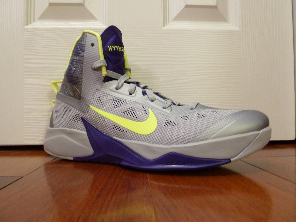 big sale a2fac 84d88 New Mens Nike Zoom Hyperfuse 2013 Basketball Shoes Silver Purple 12 615896  005