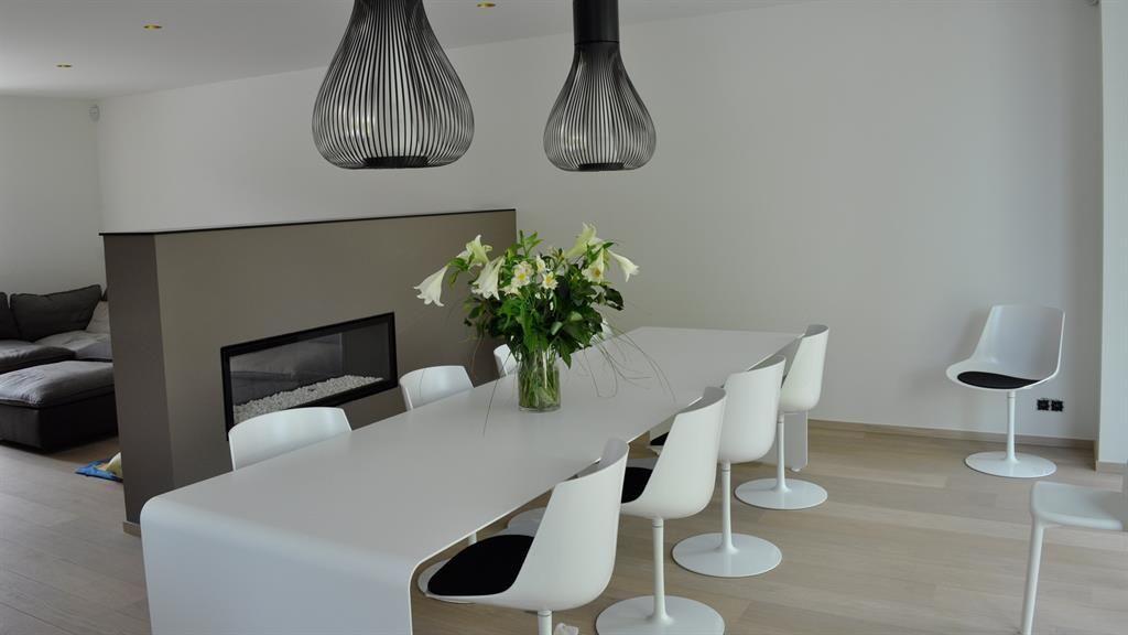 Table Et Chaise Pour Salle Manger Moderne en ce qui concerne Table