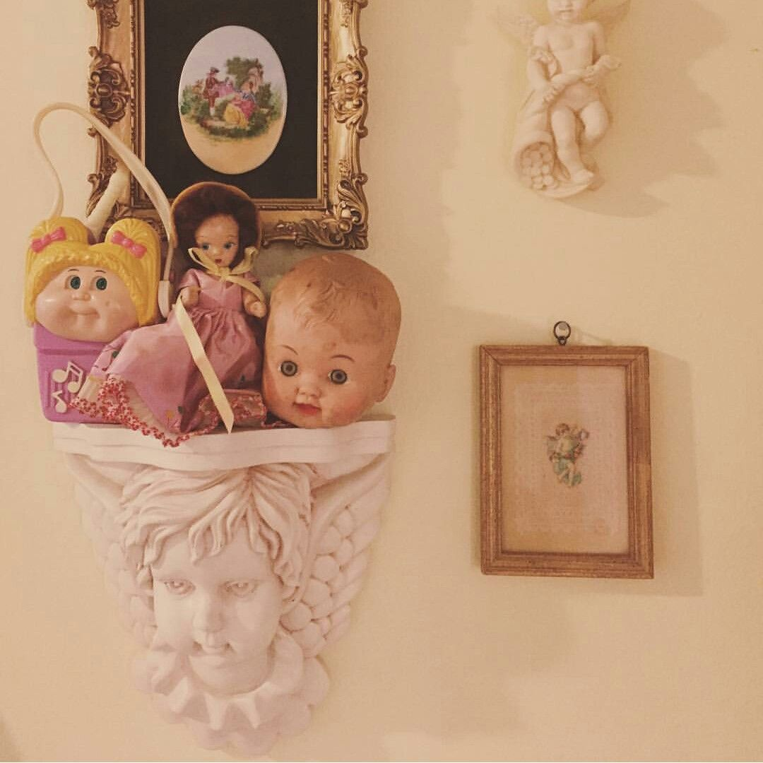 Visit also pin by taylor on vintage pinterest melanie martinez room ideas rh