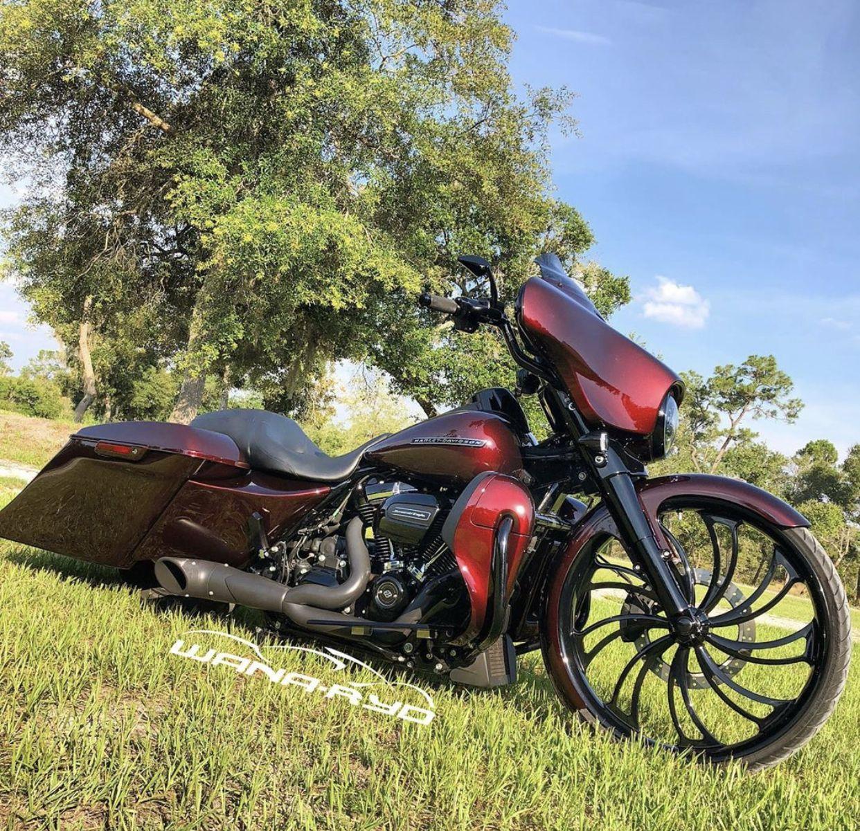 Pin By Soul On Iron On Baggers Bagger Cool Bikes Custom Bikes [ 1201 x 1242 Pixel ]