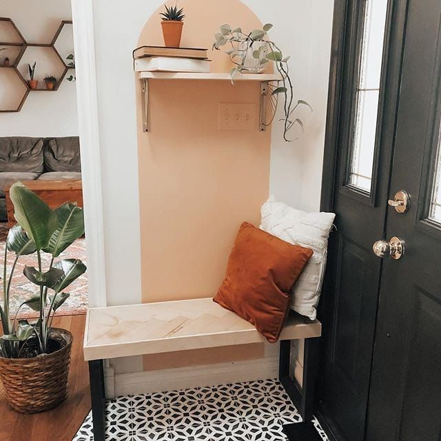 The cutest entryway ever! Who's with me?    To get more home interior design inspo, follow on Instagram @omysahome #entrywaygoals #entrywayideas #entrywaydesign