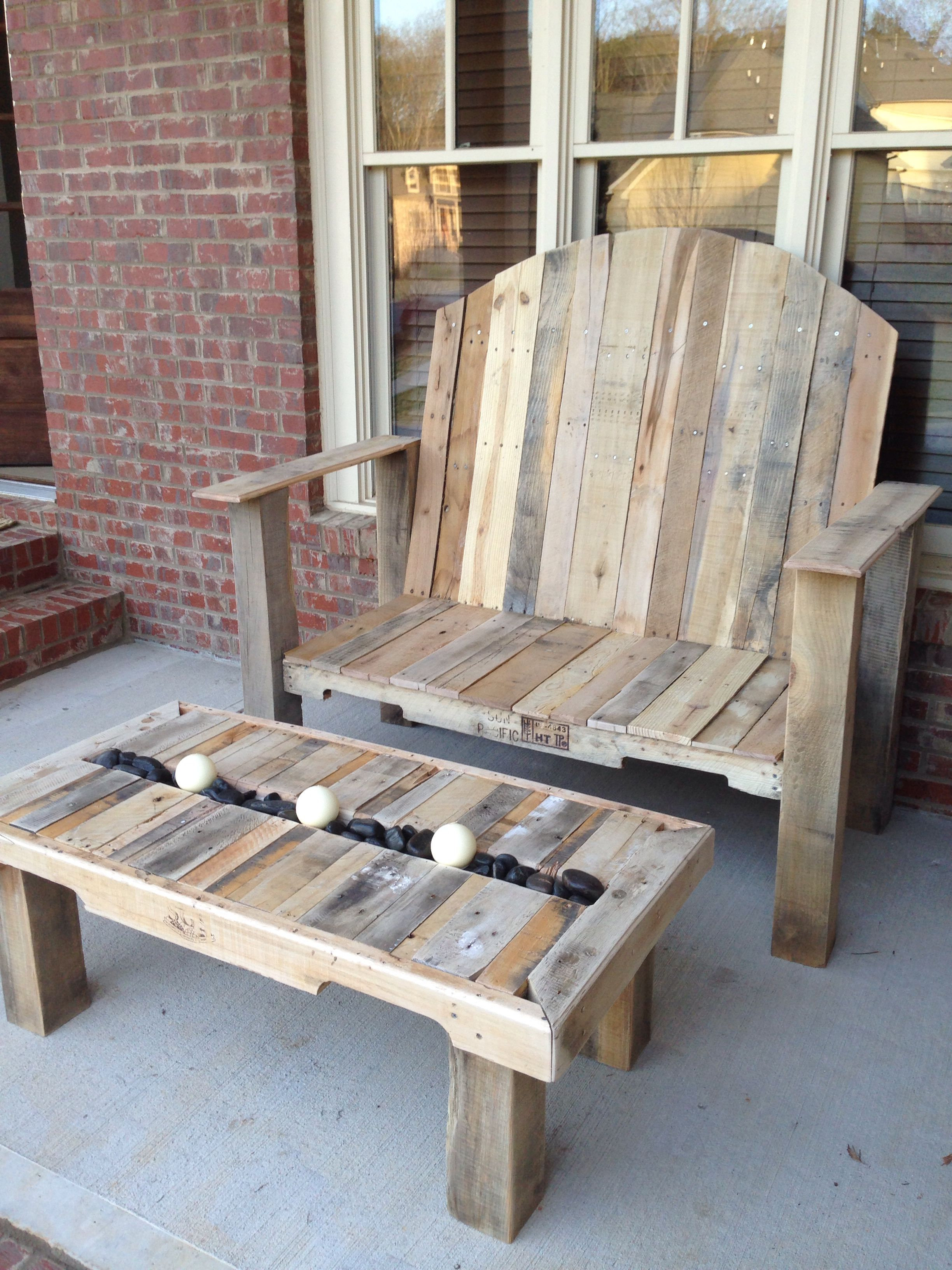 Big bench and table. Pallet fun.