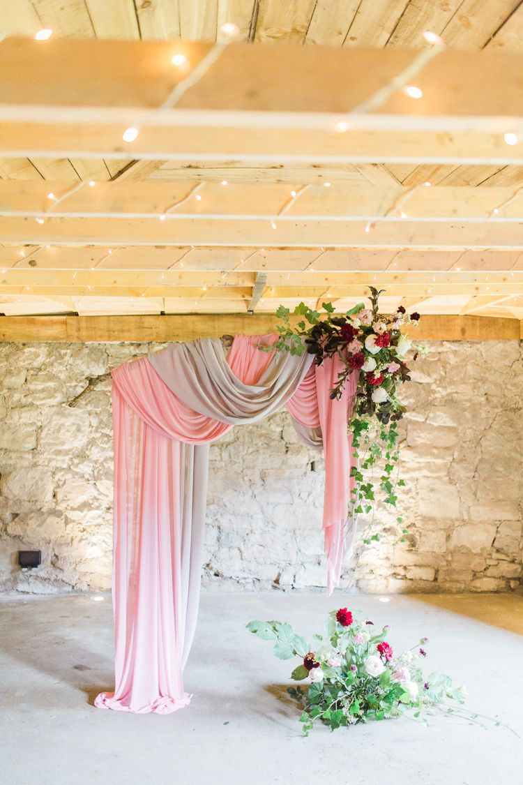 Fabric Backdrop Ceremony Flowers D Swags Dreamy Luxe Autumn Wedding Ideas Http Suzanneli