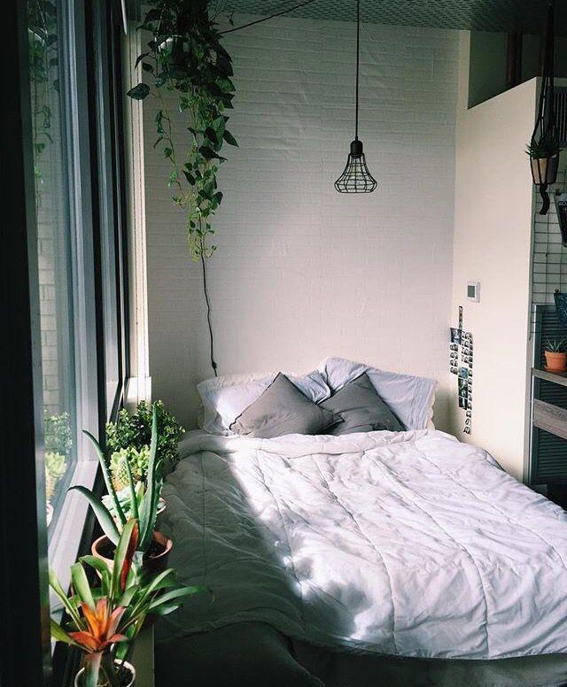 Studio Apartment sleeping space - Seattle - from Vivian Vo Farmer