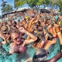 JAYROCK Tech House Pool Party!! by JAYROCK-HOUSE-MUSIC on SoundCloud Just another beautiful 80 degree day here in sunny California at the pool, so here is some kicking Tech House for your afternoon.  Enjoy! JAYROCK