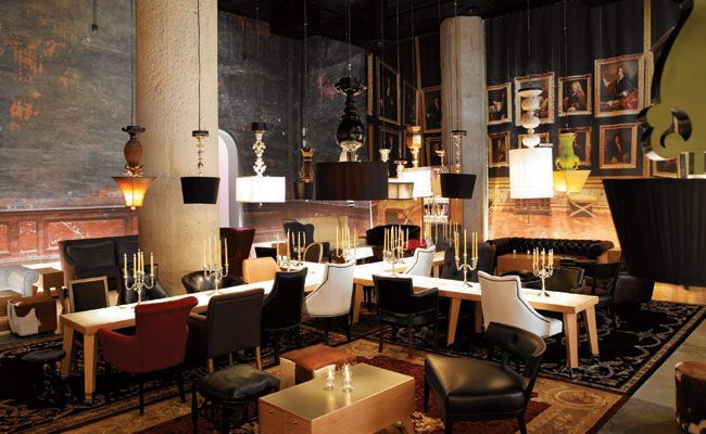 S bar by starck interior design by philippe starck for Philippe starck interior designs
