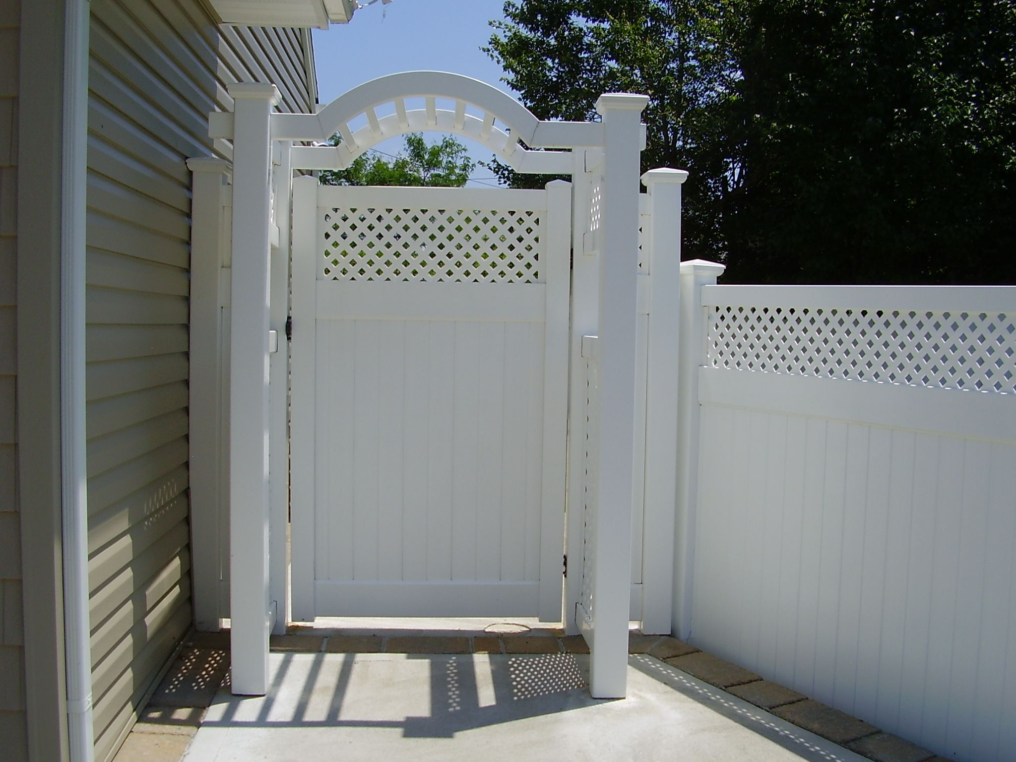 """Best 42"""" Deluxe Arbor With Privacy Lattice Sides With Window 400 x 300"""