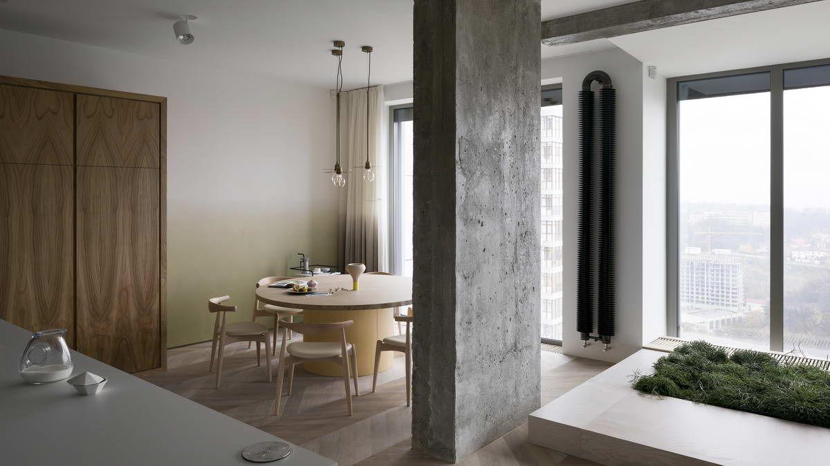 Belső kert egy színes modern lakásban egy betonépület tetején ...