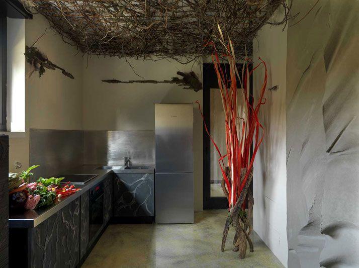 The Futuristic Cave House Of Tiziana Serretta In Milan