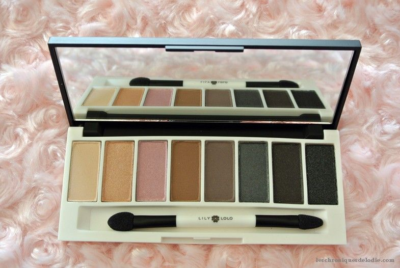 "Palette de fards minéraux ""Smoke & Mirrors"" LILY LOLO http://www.ayanature.com/fr/fards-a-paupieres/626-palette-de-fards-a-paupieres-mineraux-lily-lolo.html#/628-lily_lolo_fards_compacts_palettes-smoke_mirrors"