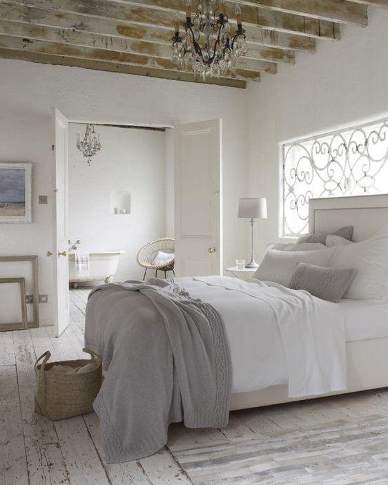 Les meubles de charme dans la d coration shabby chic bedroom bedroom decor white bedroom - Decor de charme ...