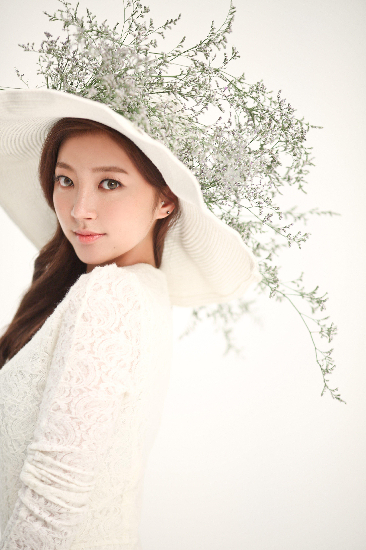 LABOUM Archives - K-Pop Database | Kpop GGs | Winter hats, Hats, Kpop