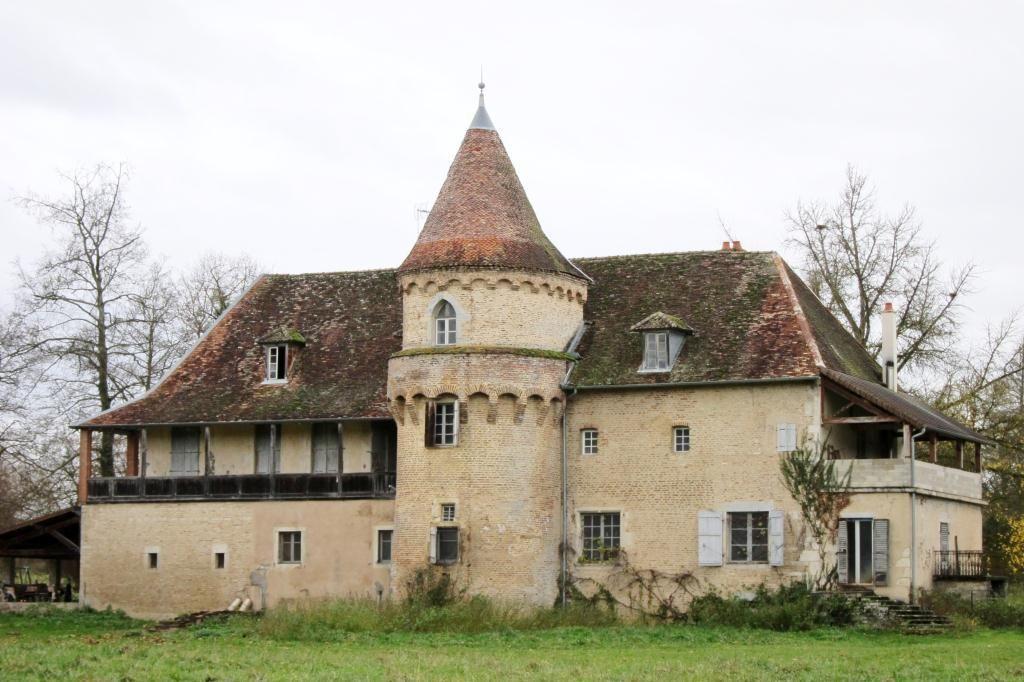 Chateau near dole jura france beautiful france for Vente maison jura