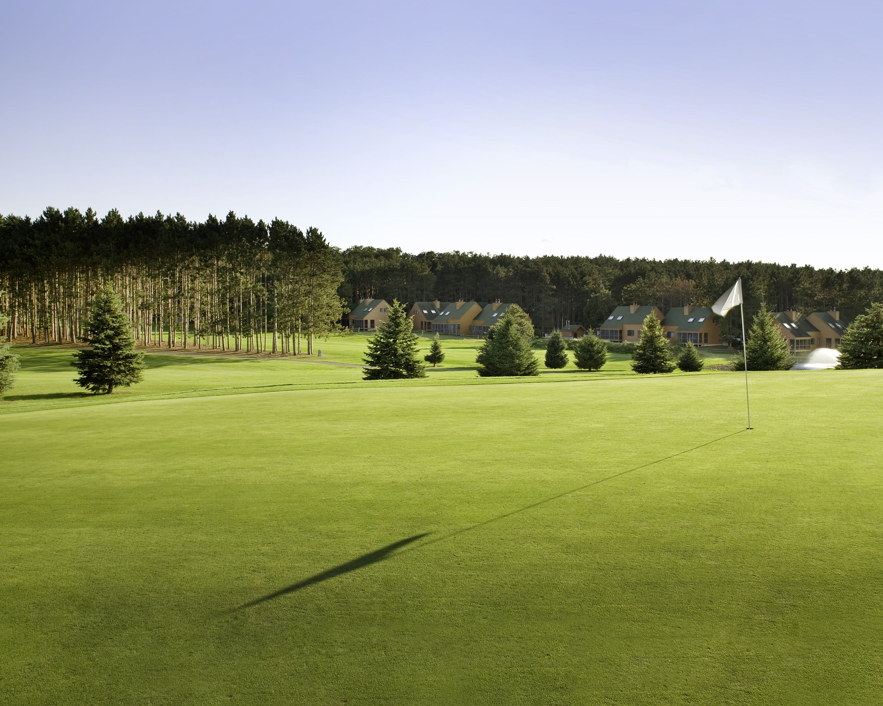 bluegreen vacations christmas mountain village an ascend resort in wisconsin dells wi has two on site courses ideal for newlyweds who love golf outings - Bluegreen Christmas Mountain