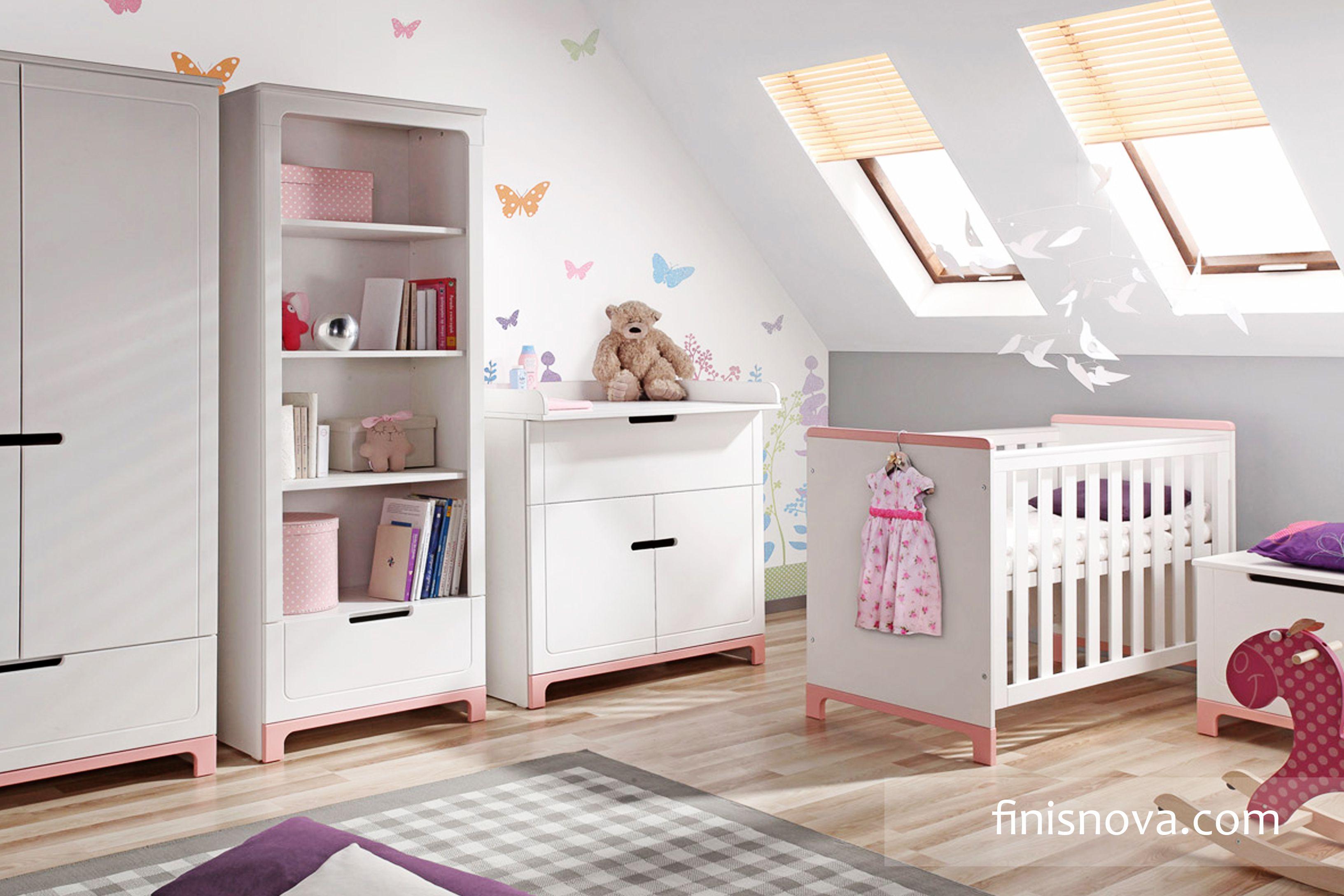 El color pastel rosa combinado con muebles blancos es ideal para la ...