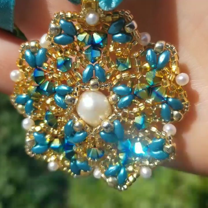 What do you think is the easiest way to design a pendant? Discover my pendant design rules and the creative process step-by-step description. #svetlanagallery #beadwork #beading #beadweaving #beaded